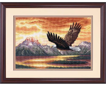Gold Collection Silent Flight Counted Cross Stitch Kit