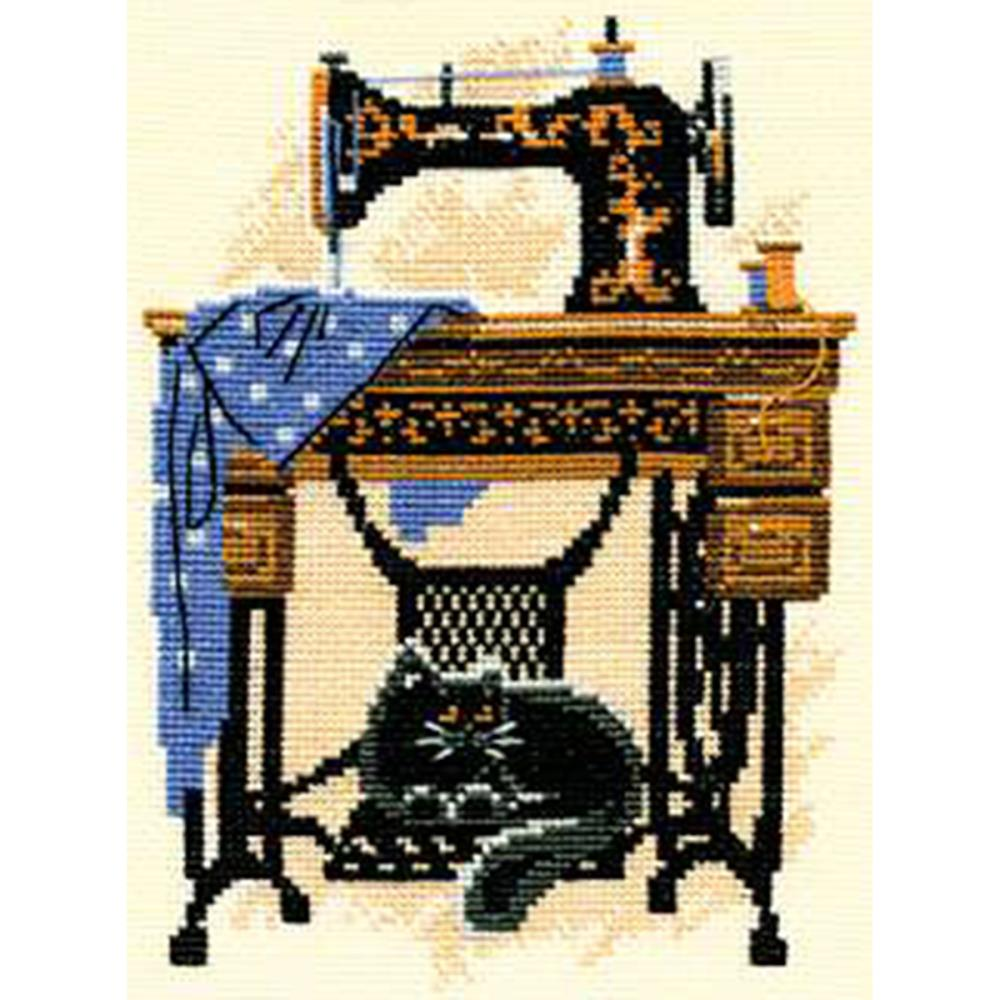 Cat With Sewing Machine (15 Count)